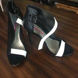 Black & White Summer Sandal